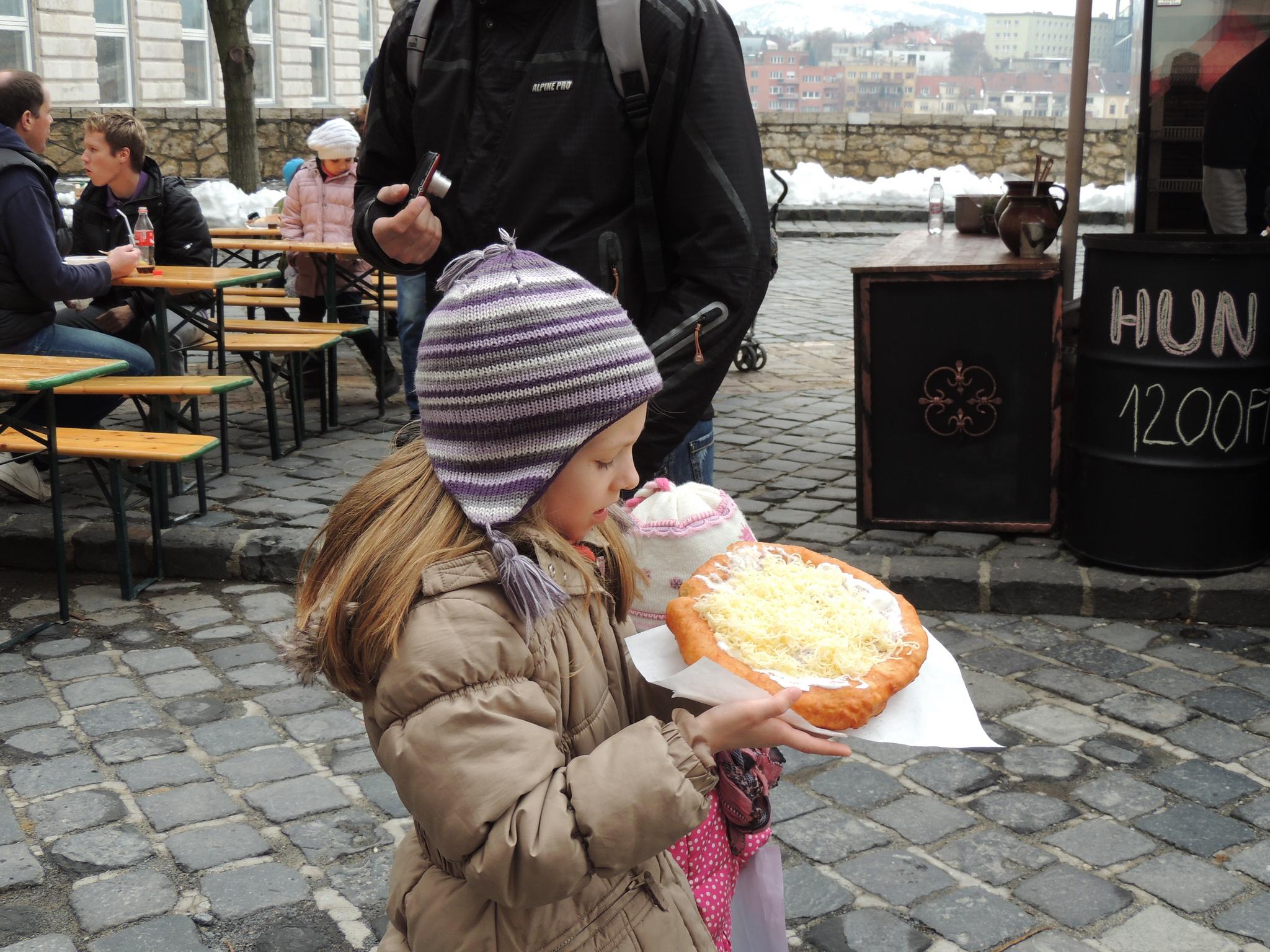 Langos tradicionalmente húngaros aportam com exclusividade no Soul Food Park. Foto - Flickr
